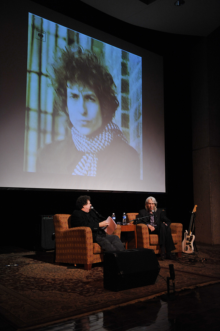 Wayne Moss CMHOF Induction - Bill Lloyd learns of Wayne\'s contributions to Dylan's Blond on Blond album